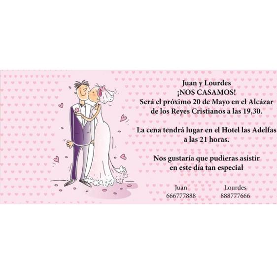 Invitación original de boda con novios y corazones