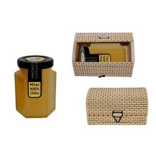 Bote de miel en caja de mimbre para detalles de boda