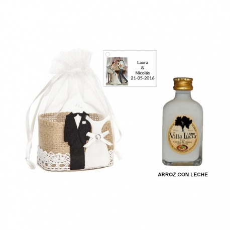 Licor Arroz con leche en cesta y tarjeta personalizada