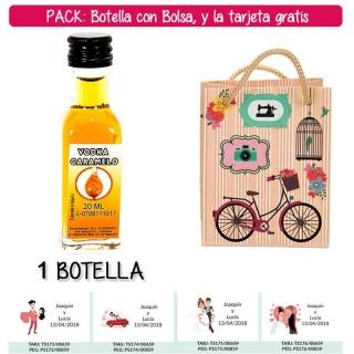 "Botellita de Vodka Caramelo con bolsa ""fashion con bici"" y tarjeta"