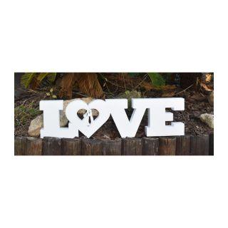 LOVE: Elegantes letras blancas para adornar tu fiesta de boda