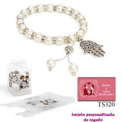 Pulsera de perlas con brillantes y colgante con forma de mano.